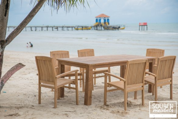 Teak gardentable 200x100 + 6 stackingchairs - Picture 0