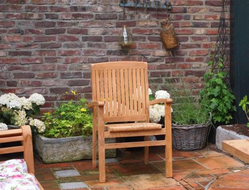 Teak garden chair stacking - Picture 1