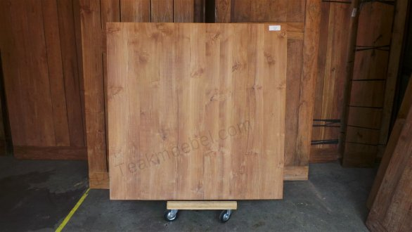 Square teak table 140x140 - Picture 0