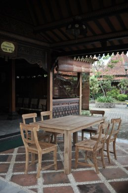 Teak garden table 160 x 90 cm - Picture 1