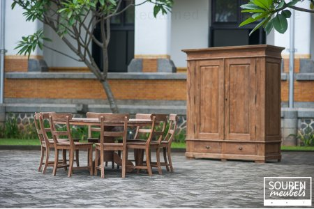 Round teak table 160 + 8 chairs + Wardrobe XL