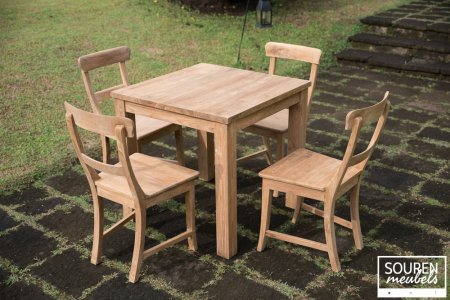 Teak table 80x80 + 4 chairs