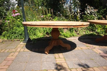 Round teak table Ø 170 cm