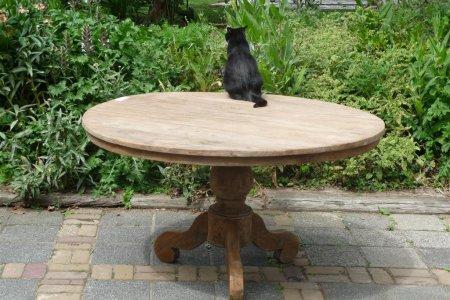 Round teak table Ø 140 cm reclaimed